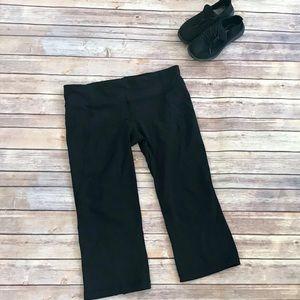 Black Lululemon Yoga Pants/Capris